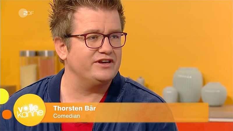Volle Kanne mit Comedian Thorsten Bär im Studio
